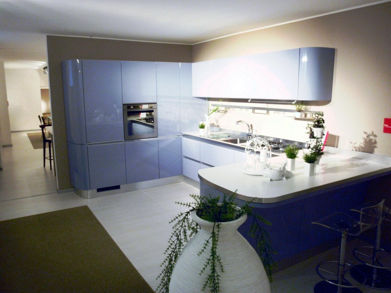 Cucina Tess Curva Azzurro Pervinca Con Piano Colazione Arrotondato #796E52 1500 1125 Cucine Piccole Con Piano Colazione