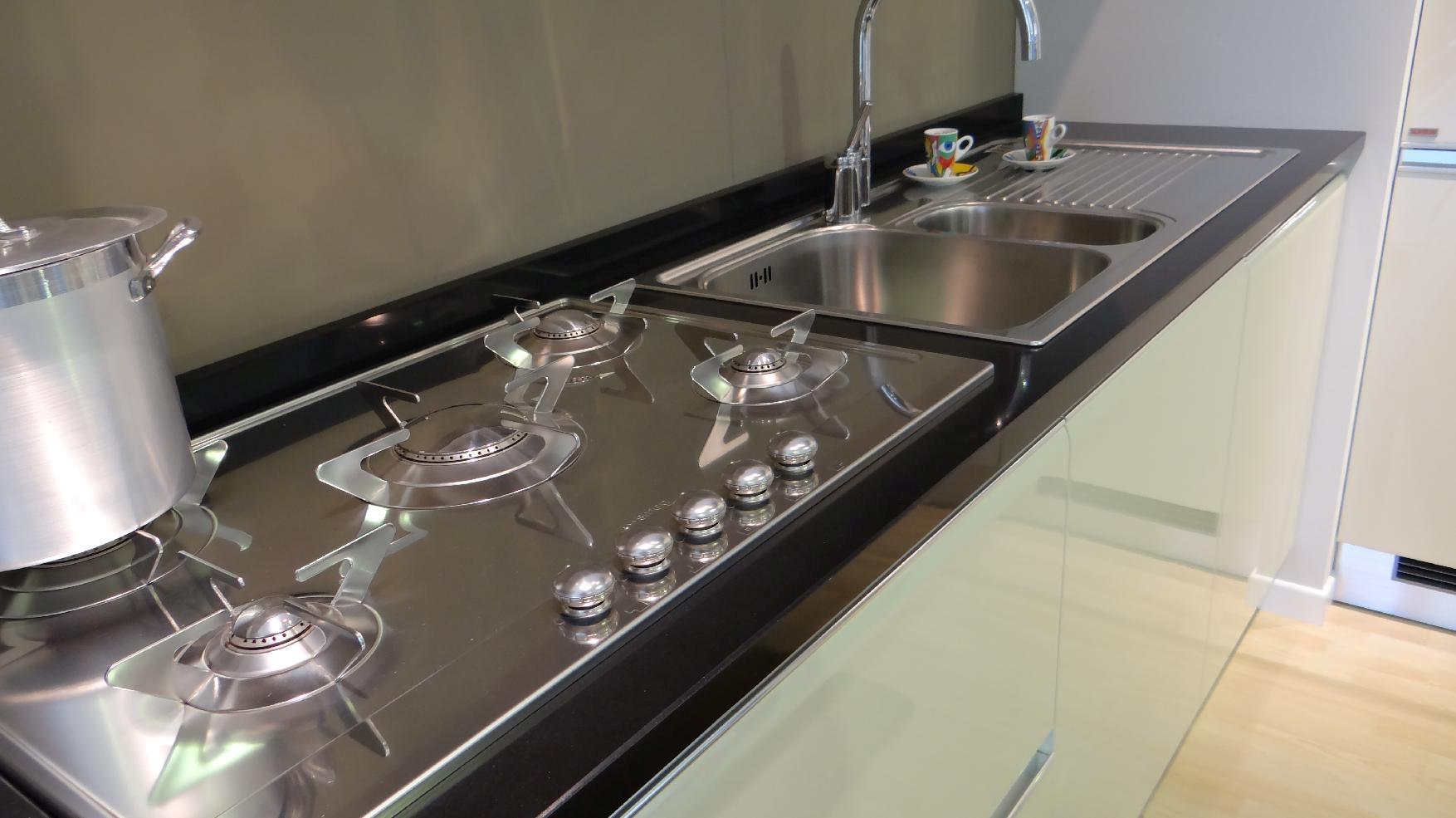 Cucine Scavolini Tess : Offerta scavolini tess beige cucine a prezzi scontati