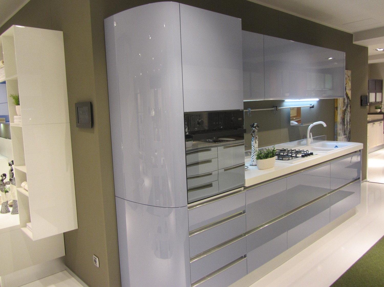 Offerta scavolini tess curva 8032 cucine a prezzi scontati for Cucina 2 metri ikea