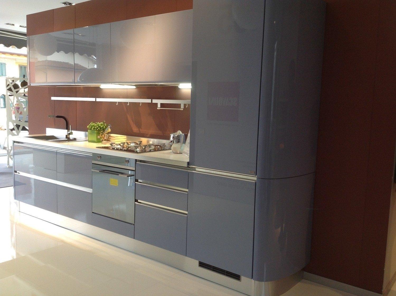 Vista dinsieme cucina Scavolini Tess in offerta, con elementi ...