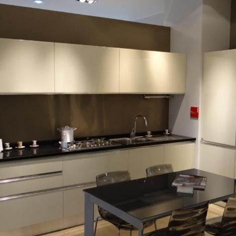 Cucina scavolini tess laccata lucido beige scontato del 50 cucine a prezzi scontati - Cucina scavolini tess ...