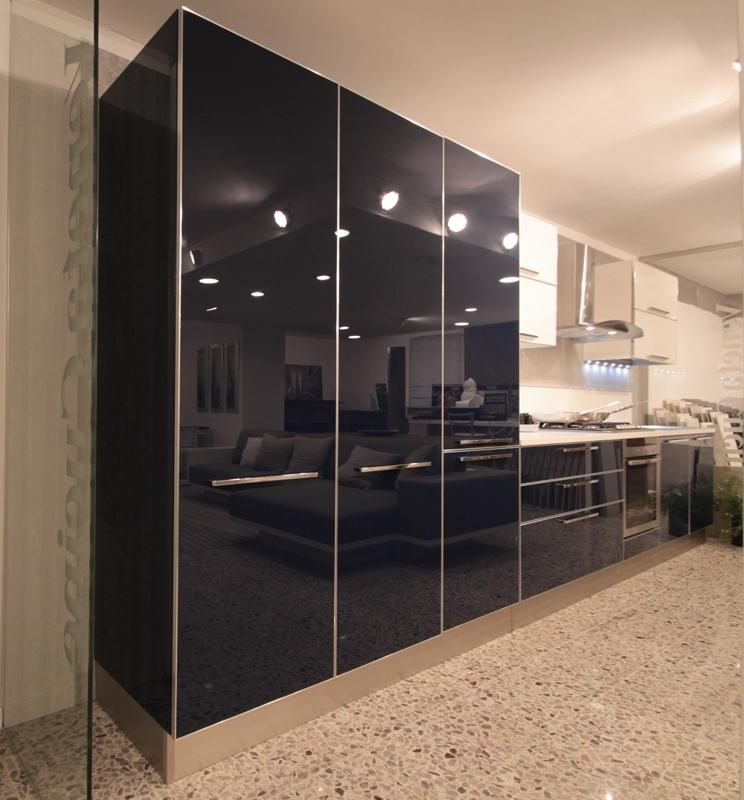 Veneta cucine saronno gallery of elegante il nuovo mod di for Cucine sottocosto