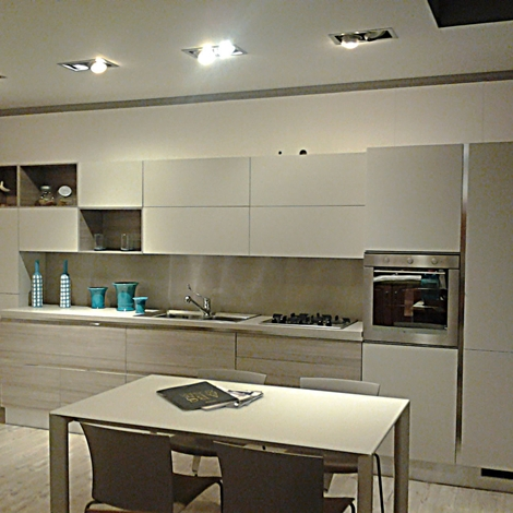 http://www.outletarredamento.it/img/cucine/outlet-cucina-scavolini-mood_N1.jpg
