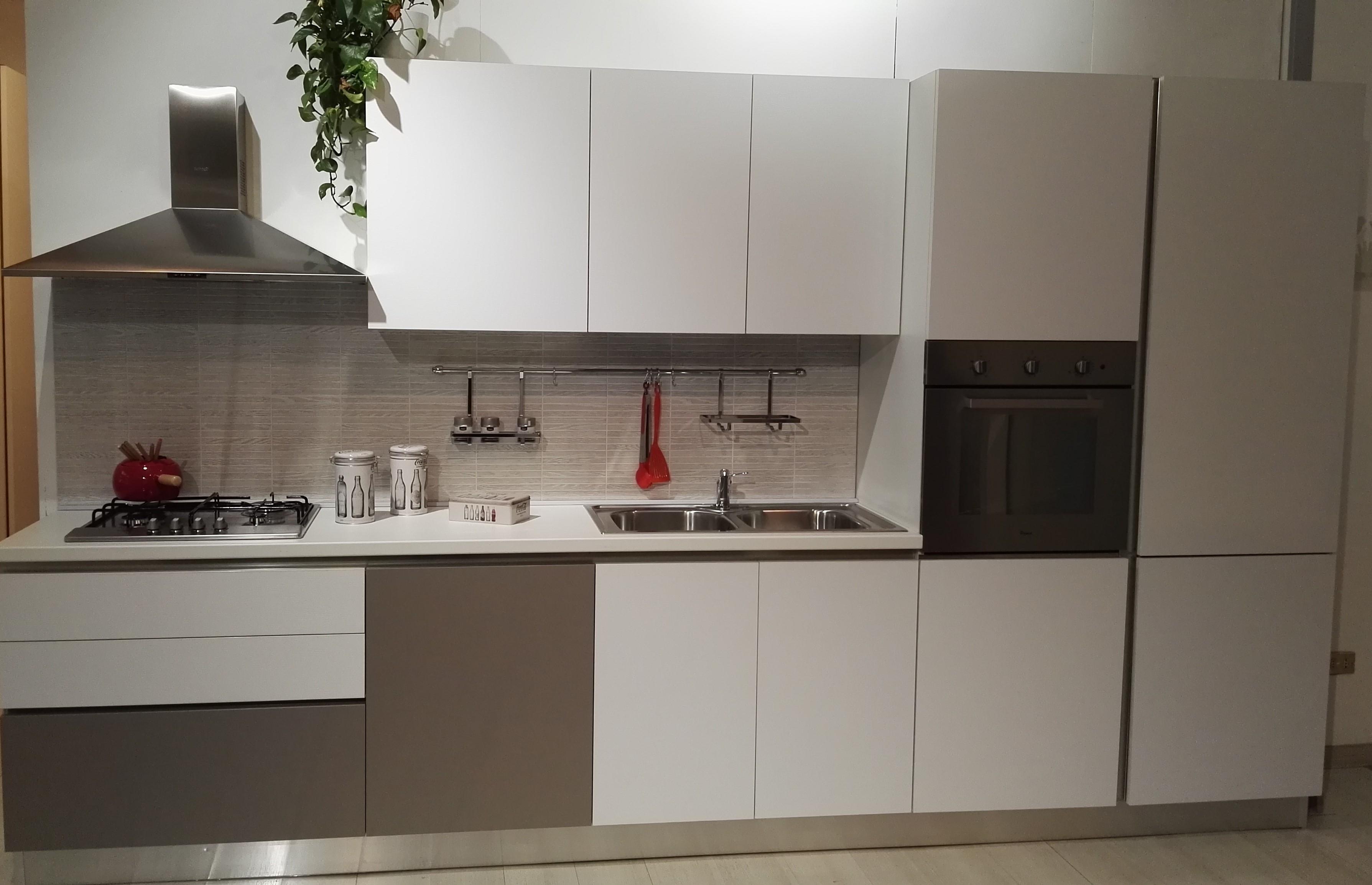 Cucina cm 360 scontatissima pronta consegna cucine a - Cucine pronta consegna ...