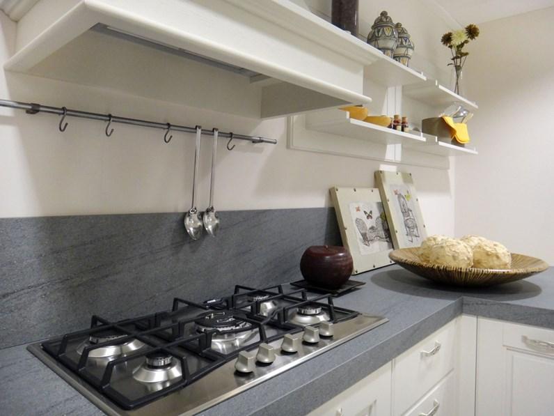 Cucina lube cucine agnese classica legno bianca - Top cucina grigio ...