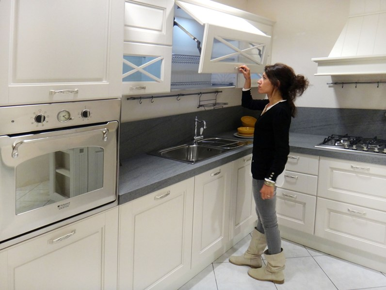 Cucina lube cucine agnese classica legno bianca - Cucina bianca e legno ...