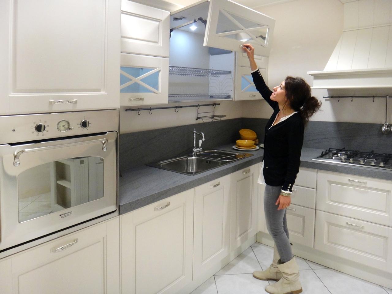 Cucina lube cucine agnese classica legno bianca cucine a - Cucine lube prezzi offerte ...