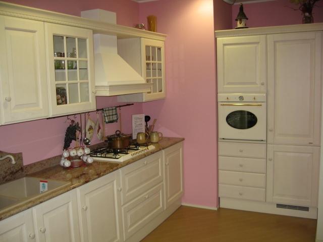 Scavolini baltimora in frassino bianco cucine a prezzi for Cucina baltimora scavolini