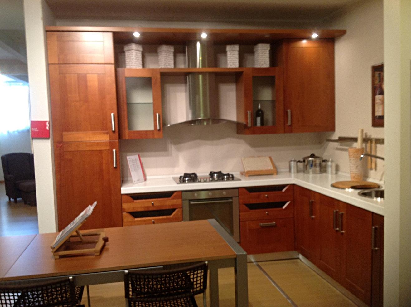 Cucina Ciliegio E Panna E Soggiorno Bianco ~ Idea Creativa Della ...
