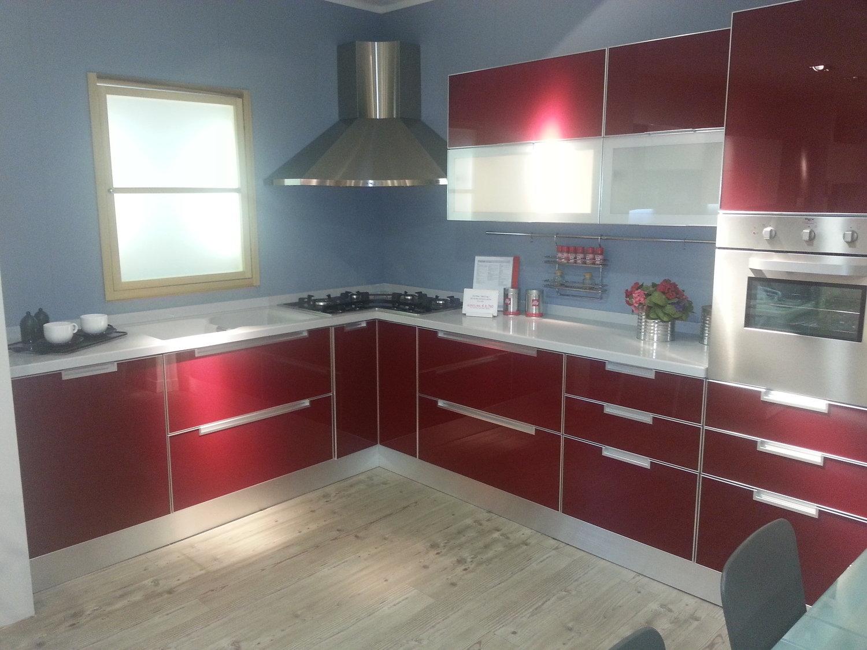 Scavolini crystal rossa vetro 4721 cucine a prezzi scontati for Cucine rosse