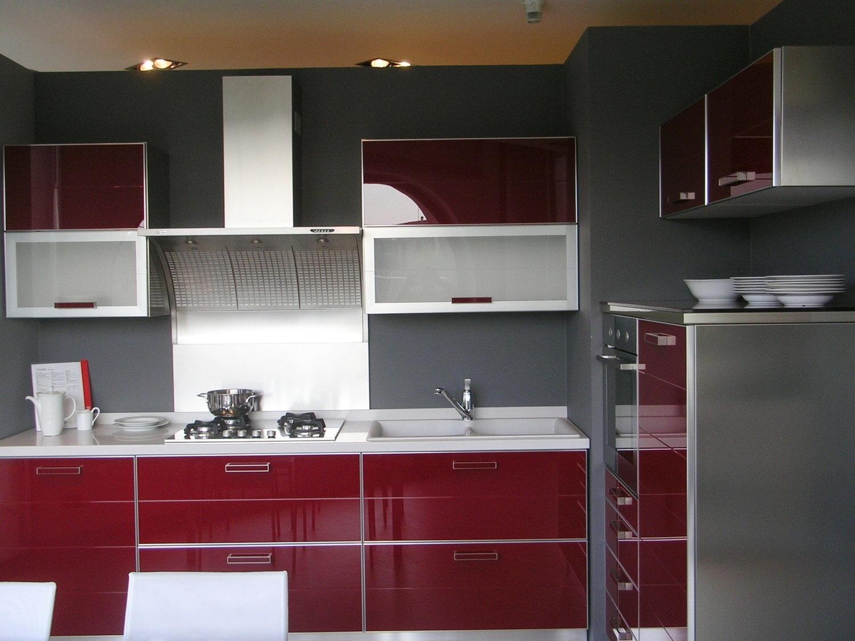 Ante in vetro per cucine latest foto di una cucina con - Ante in vetro cucina ...