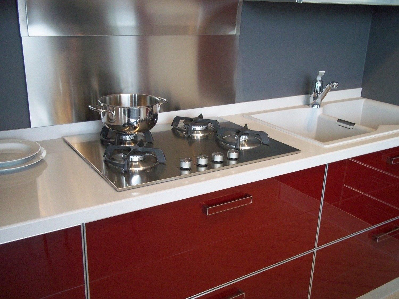 Scavolini crystal vetro rosso 4192 cucine a prezzi scontati - Schienale cucina in vetro temperato ...