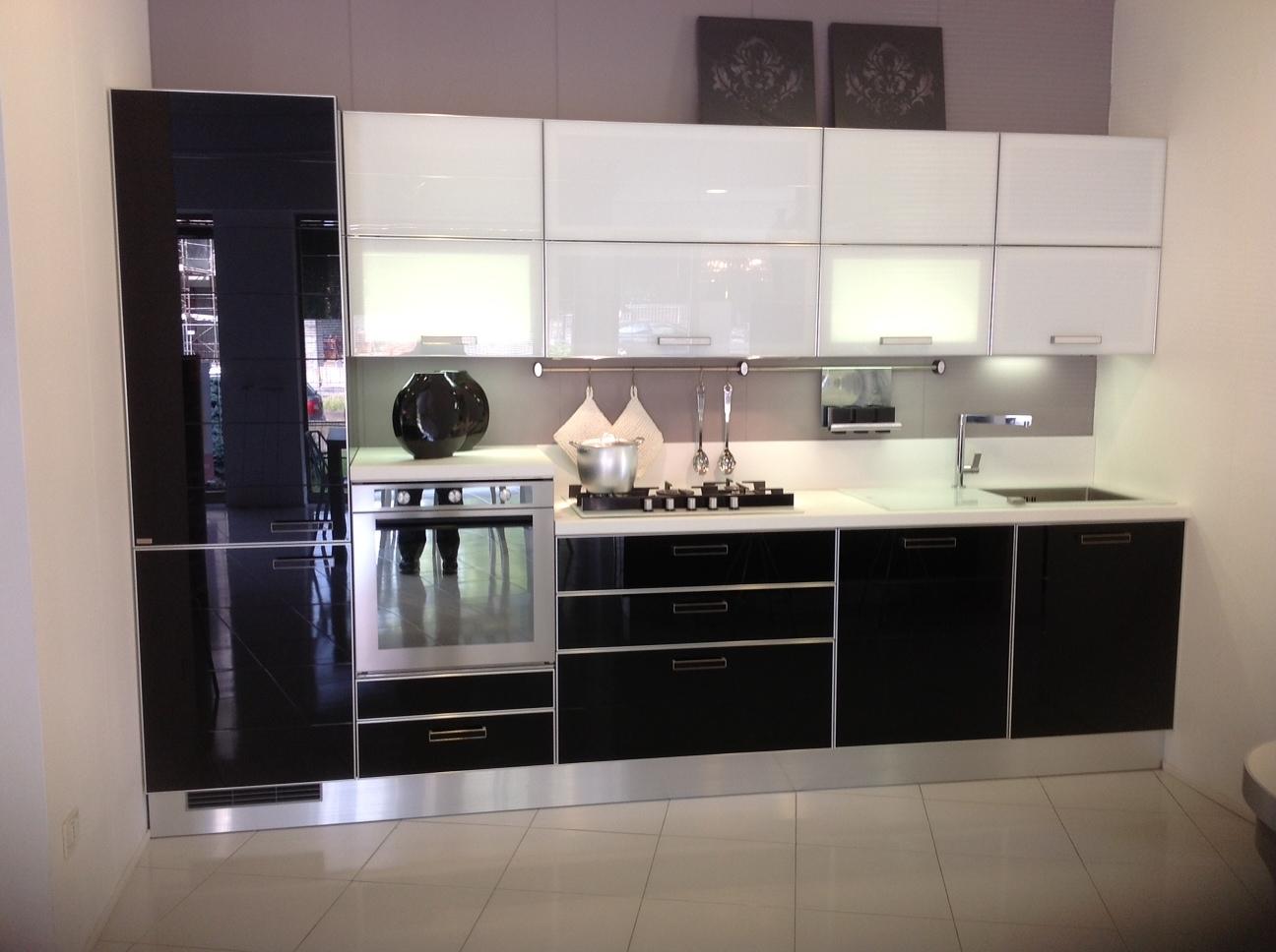 Scavolini crystal vetro cucine a prezzi scontati - Cappa cucina nera ...