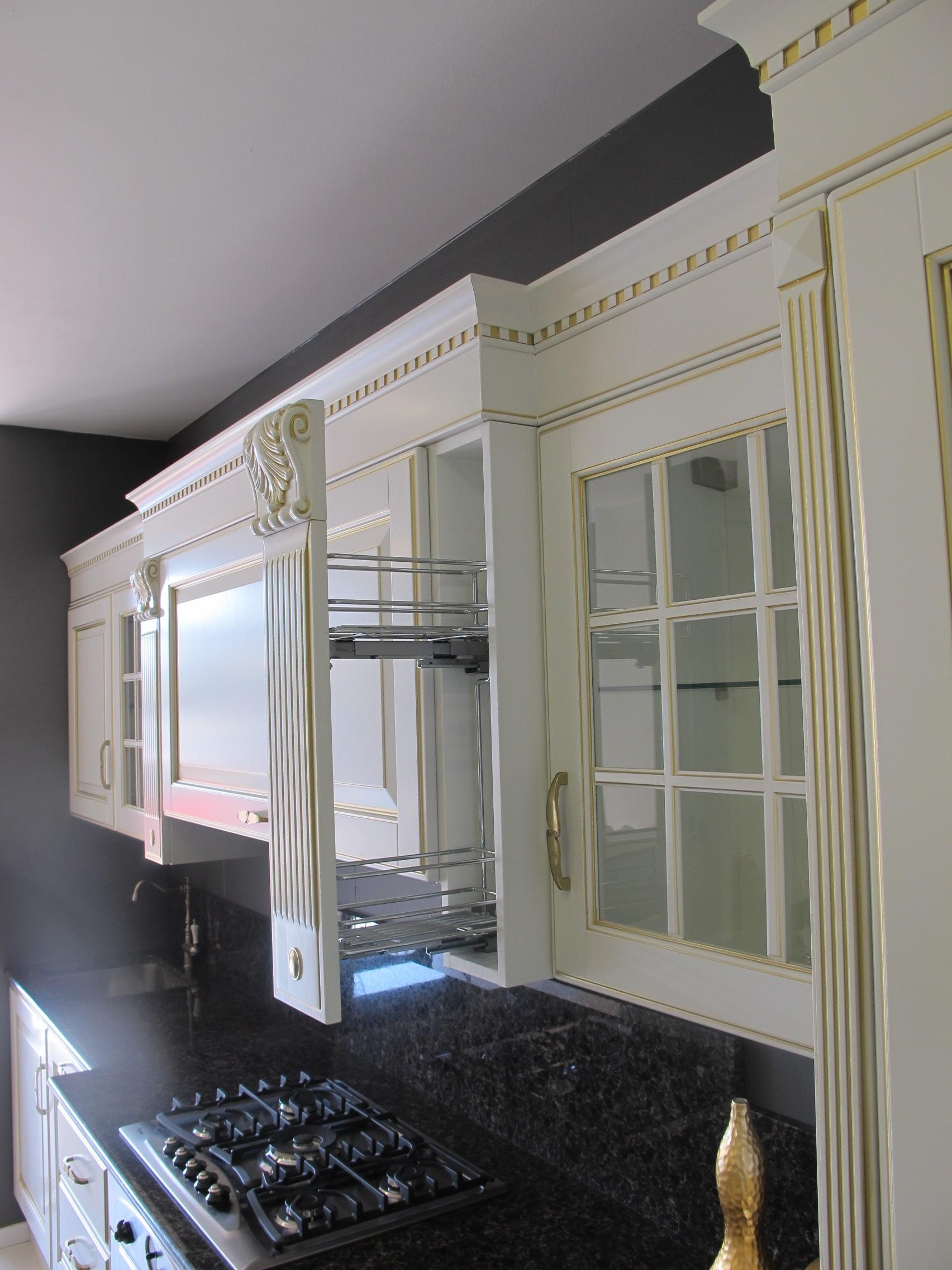 Scavolini cucina baltimora classica laccata opaco bianco - Cucina scavolini classica ...