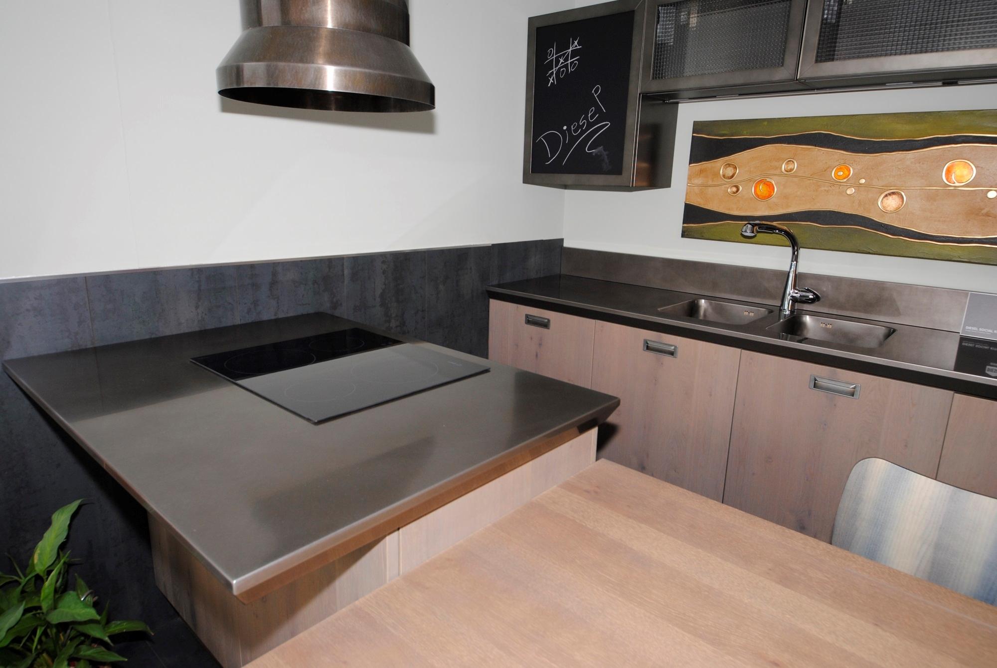 Scavolini cucina diesel stile industriale con acciaio drip - Cucina diesel scavolini ...