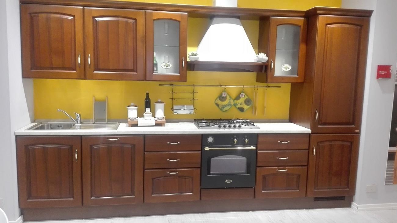 Cucina scavolini classica scontata del 54 cucine a - Barra portautensili cucina scavolini ...
