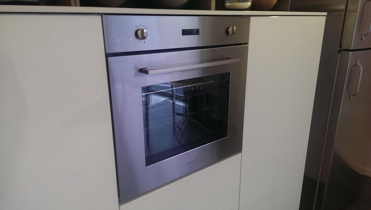 Pin cucine moderne laminato rovere ajilbabcom portal on - Cucina moderna bianca ...