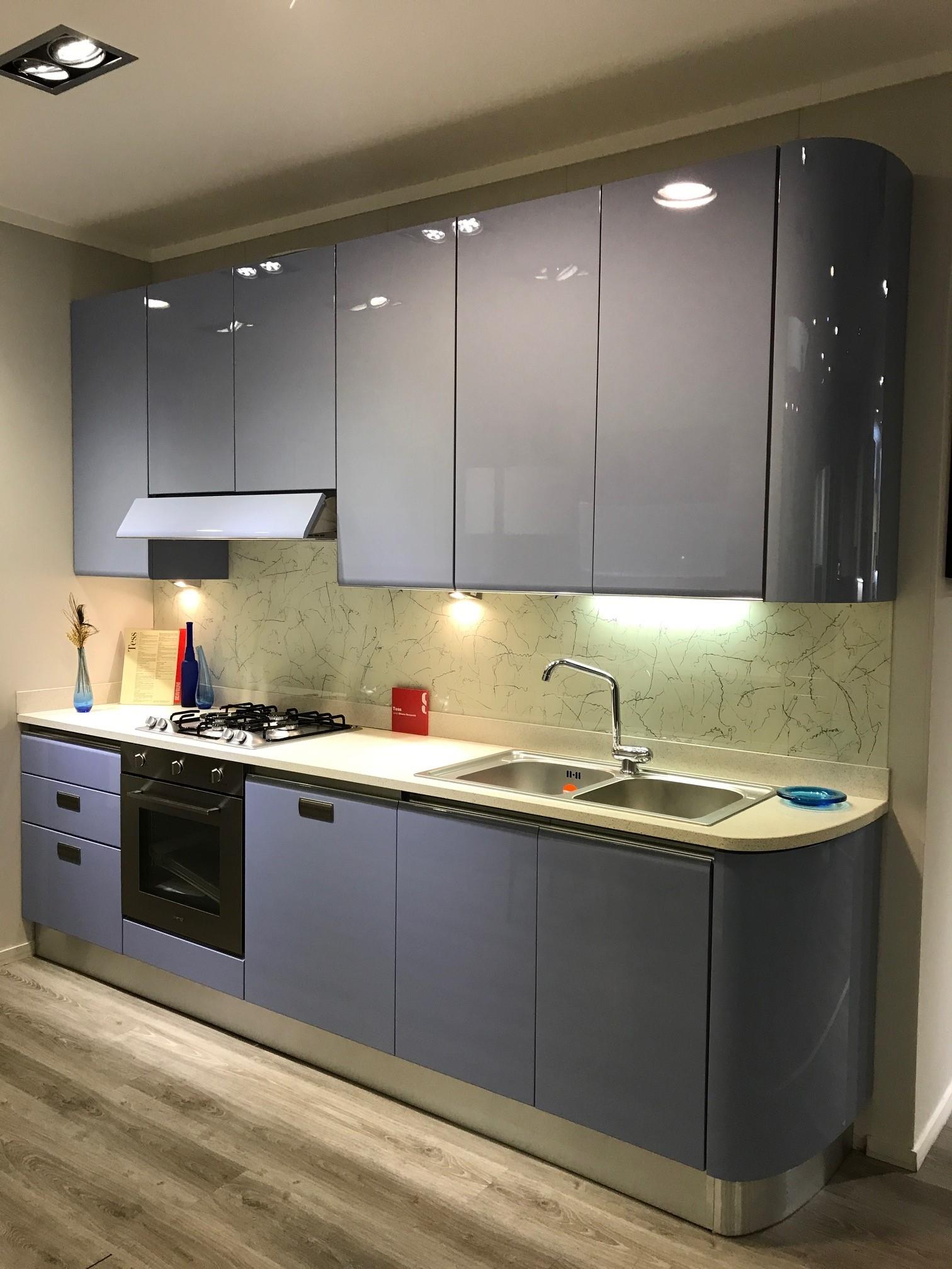 Scavolini cucina tess laccato lucido azzurro cucine a prezzi scontati - Cucine scavolini prezzi ...