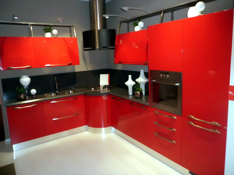 Scavolini flux giugiaro design cucine a prezzi scontati - Cucina laccata rossa ...