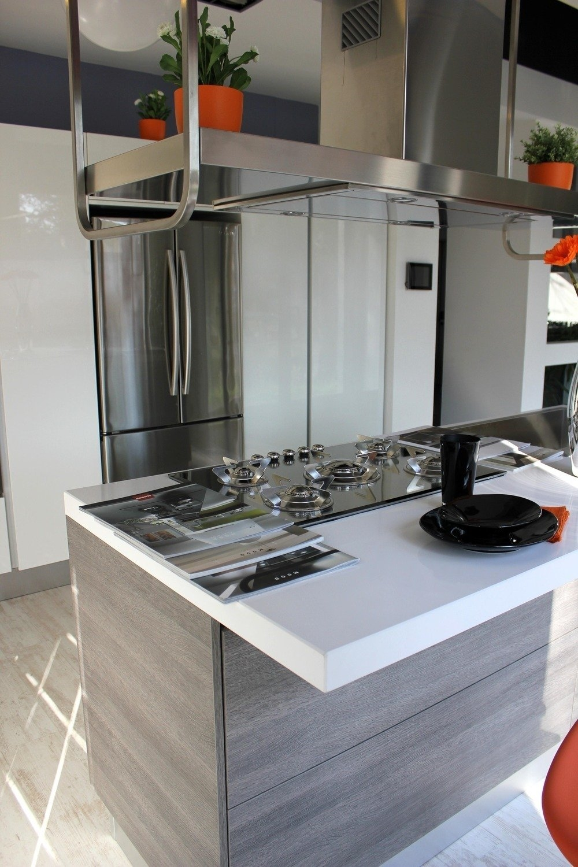 Cucina Con Isola Centrale Stile Americano. Cucine Moderne Con Isola ...