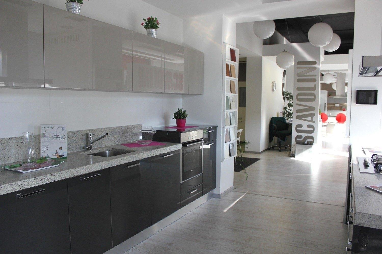 Scavolini mod sax con isola cucine a prezzi scontati for Costo isola cucina