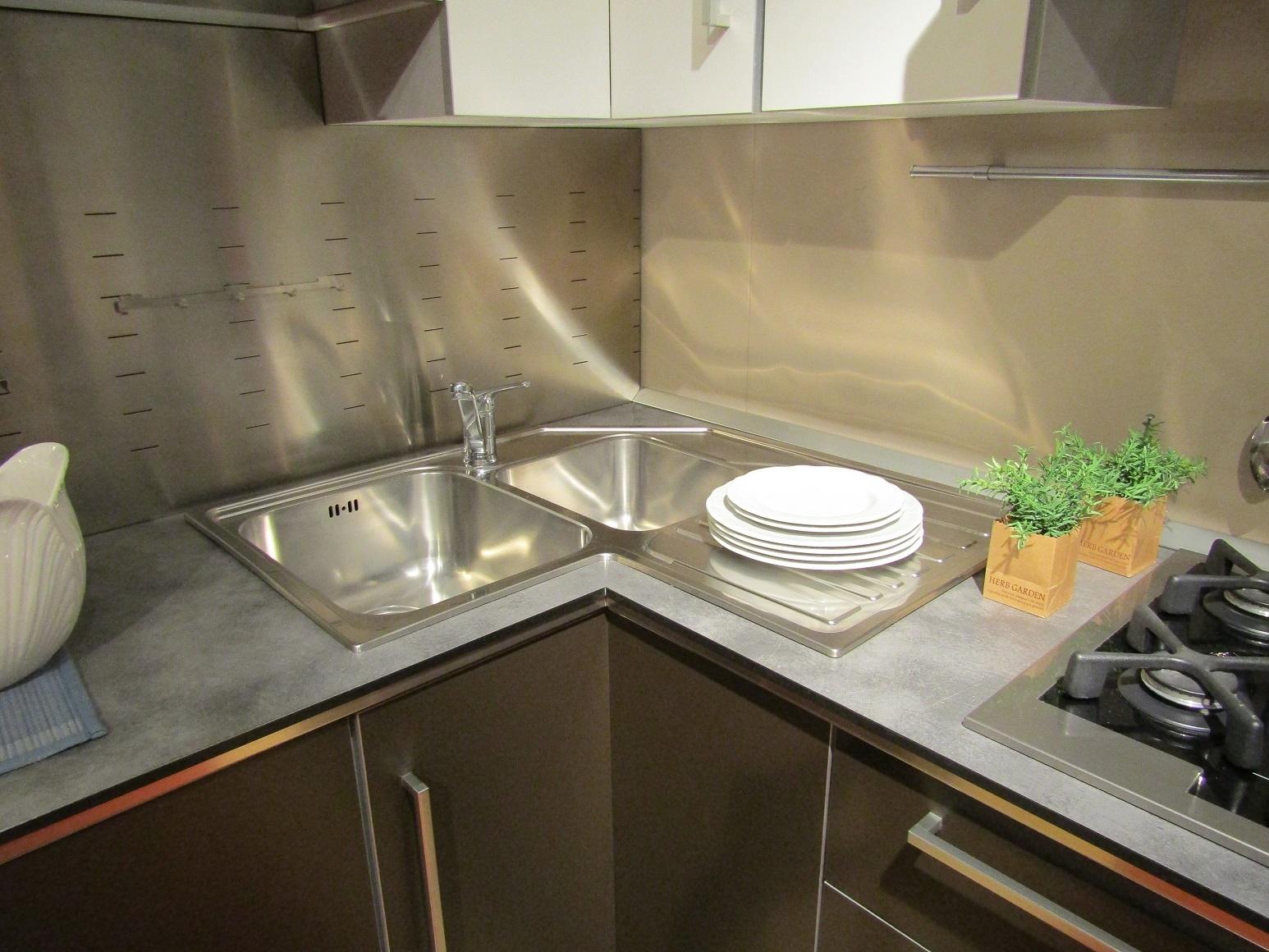 Cucina scavolini modello dream 50 cucine a prezzi scontati - Lavello cucina angolare ...