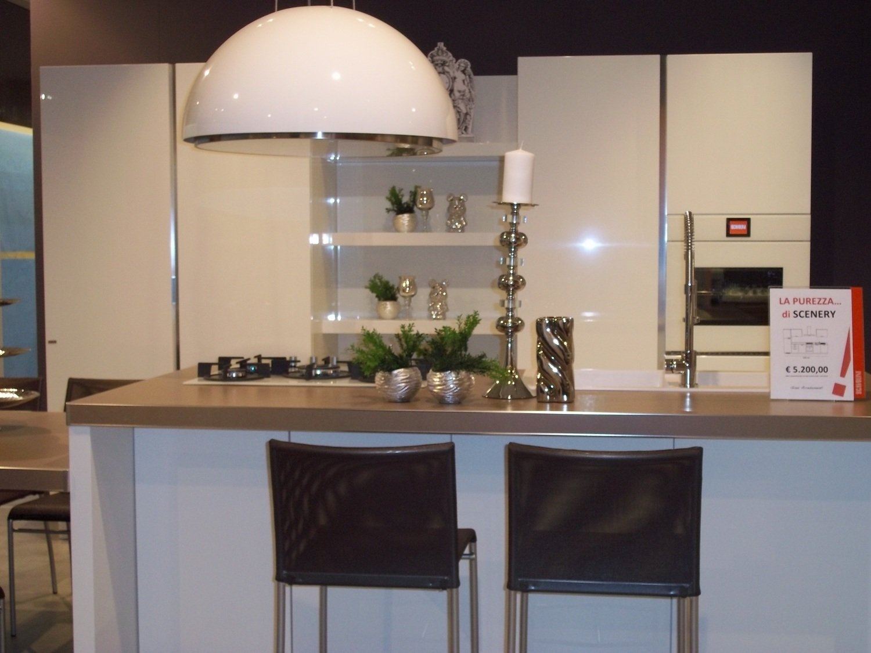 Cucine Con Isola Centrale Immagini : Cucine acciaio. Cucine ad ...