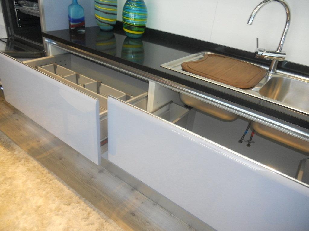 Cucine Scavolini A Meta Prezzo : Scavolini tess a metà prezzo cucine prezzi scontati