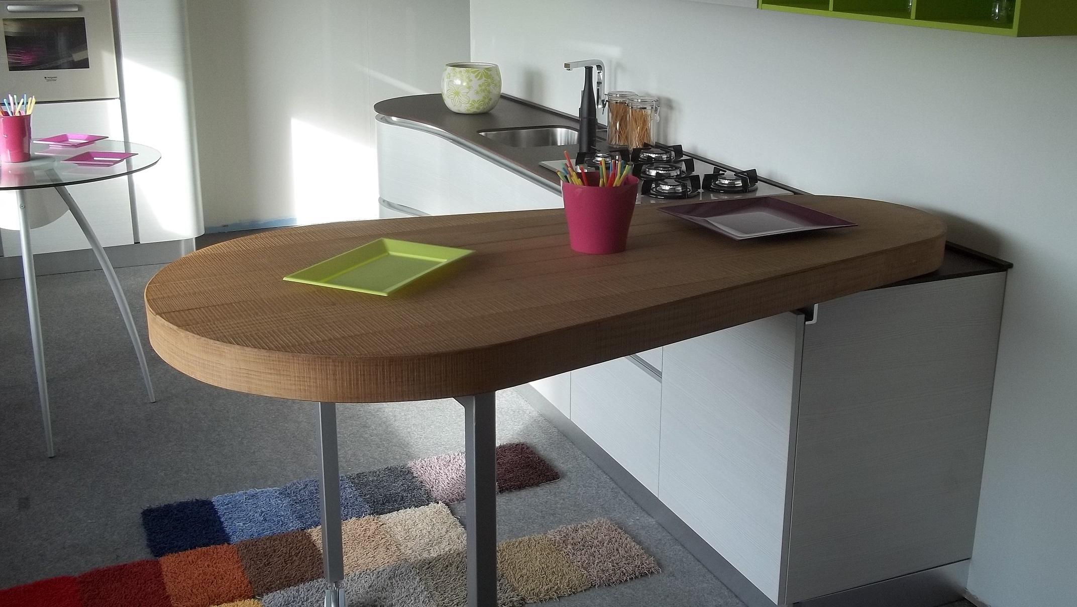 Cucina spar life madrid moderna laminato opaco larice - Tavolo a penisola ...