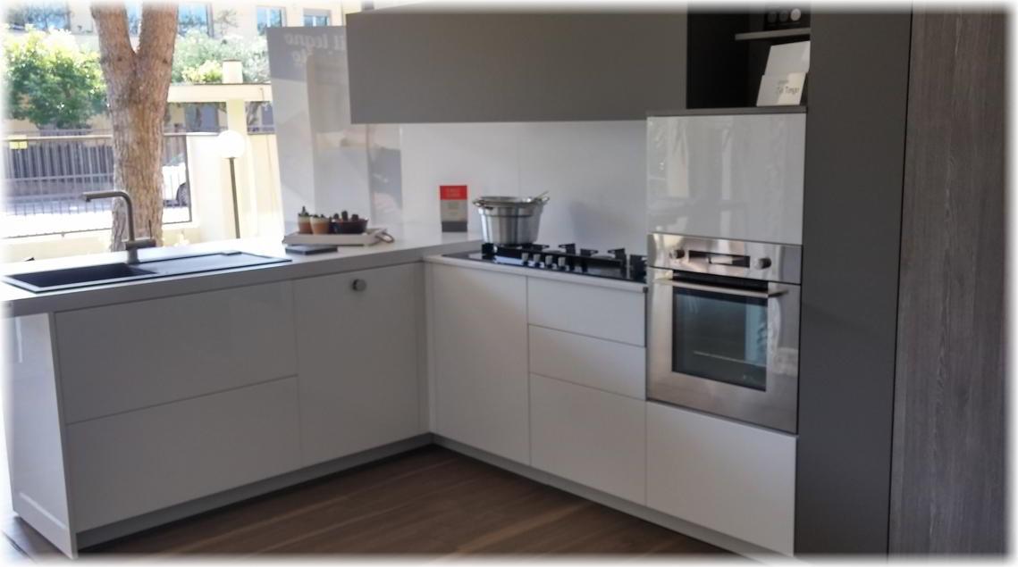 Cucina Angolare - Home Design E Interior Ideas - Refoias.net
