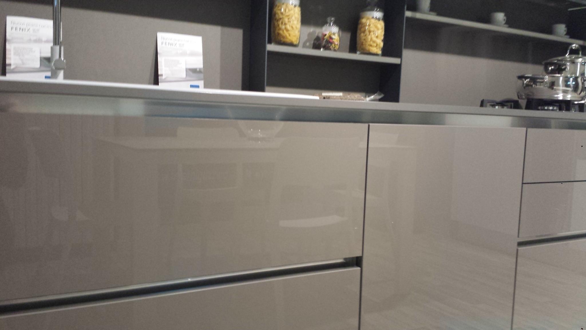 Cucina Bianca Gola Rivestimento Pareti ~ Ispirazione Interior Design ...