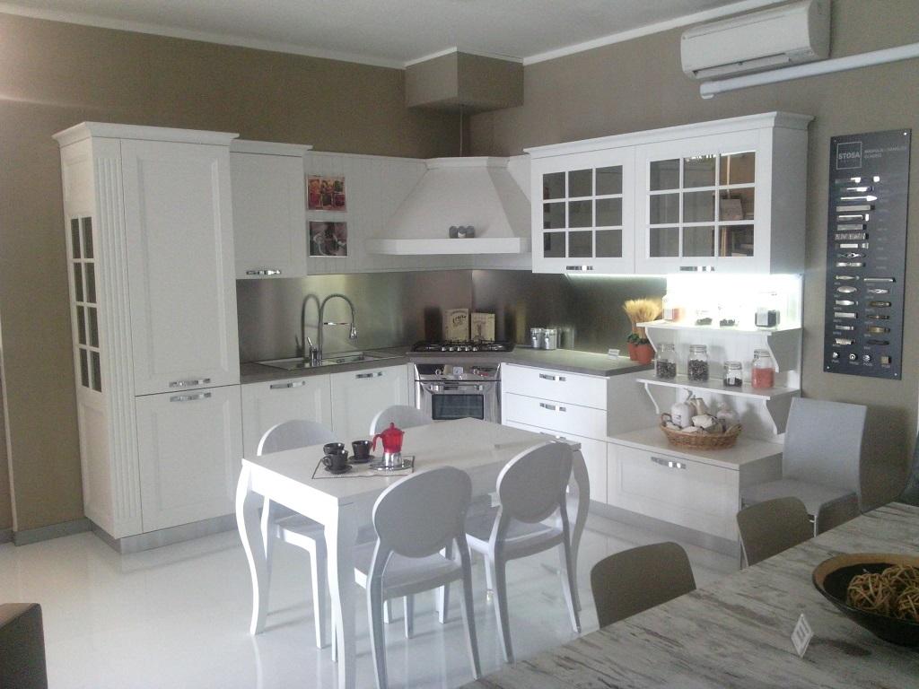 Stosa cucine cucina beverly provenzale legno bianca cucine a prezzi scontati - Cucine provenzali moderne ...