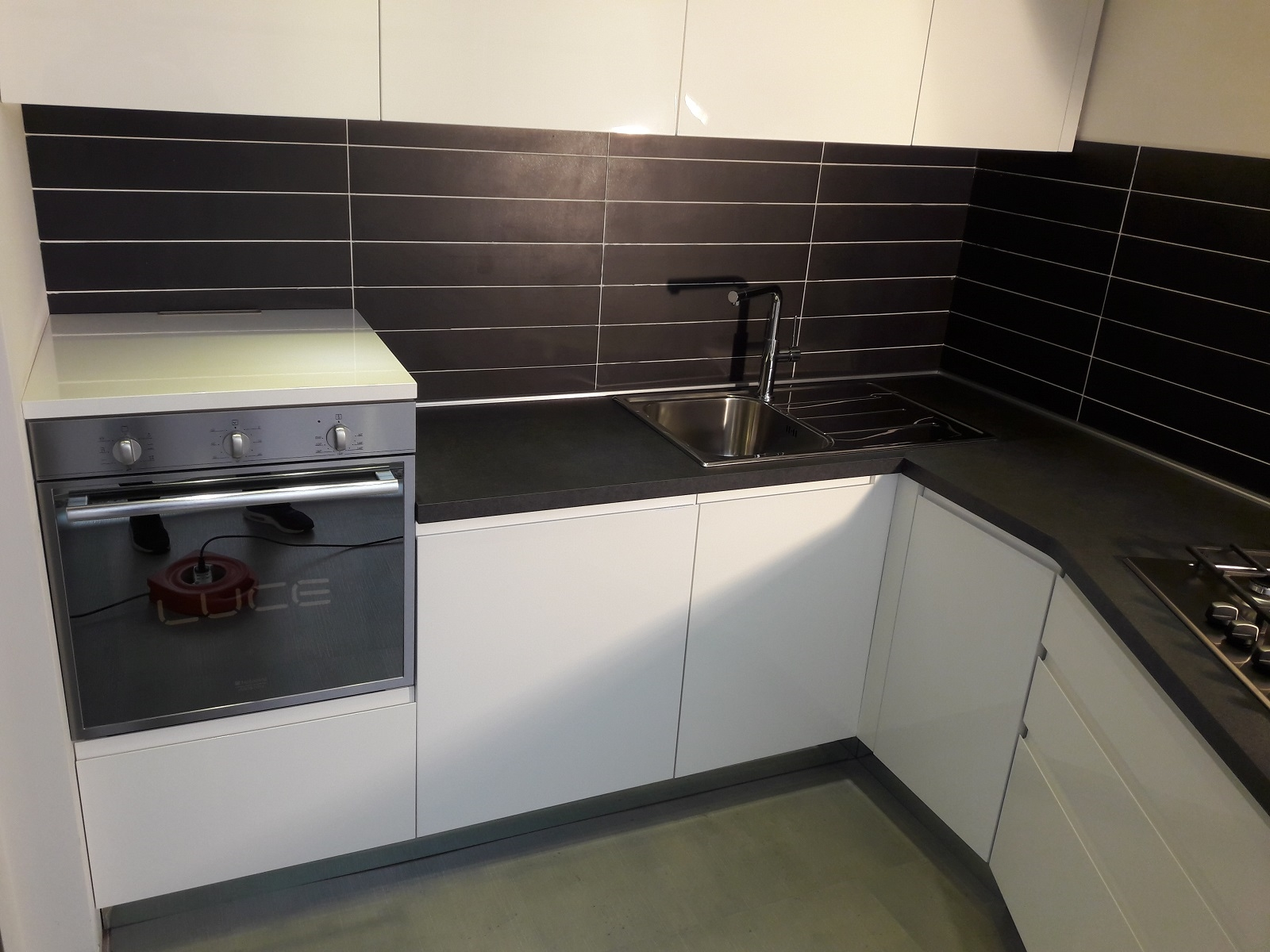 Stosa Cucine Cucina Bring Moderne Laccato Lucido Bianca Cucine A Prezzi Scontati