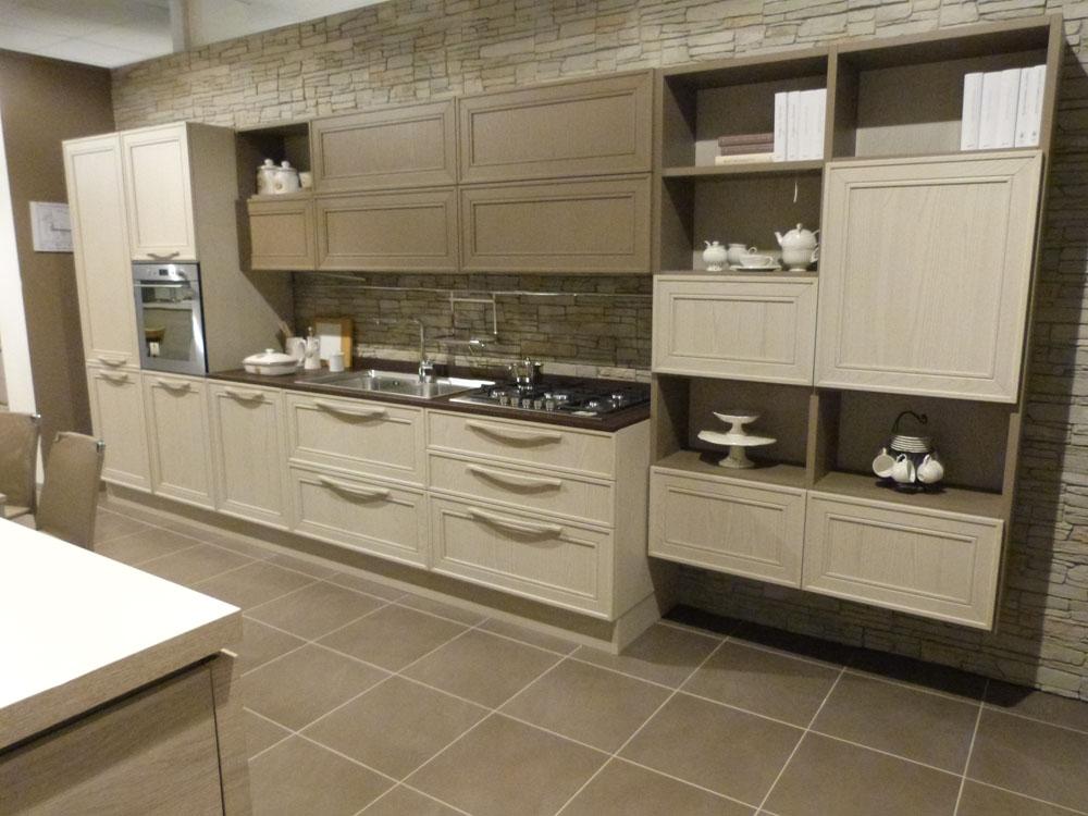 Svendita cucina modello elegante in legno frassino - Cucina bianca e marrone ...