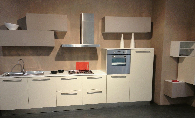 Cucine lube da esposizione idee per il design della casa - Esposizione cucine ikea ...