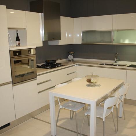 Svendita cucine trento 9046 cucine a prezzi scontati for Outlet cucine trento