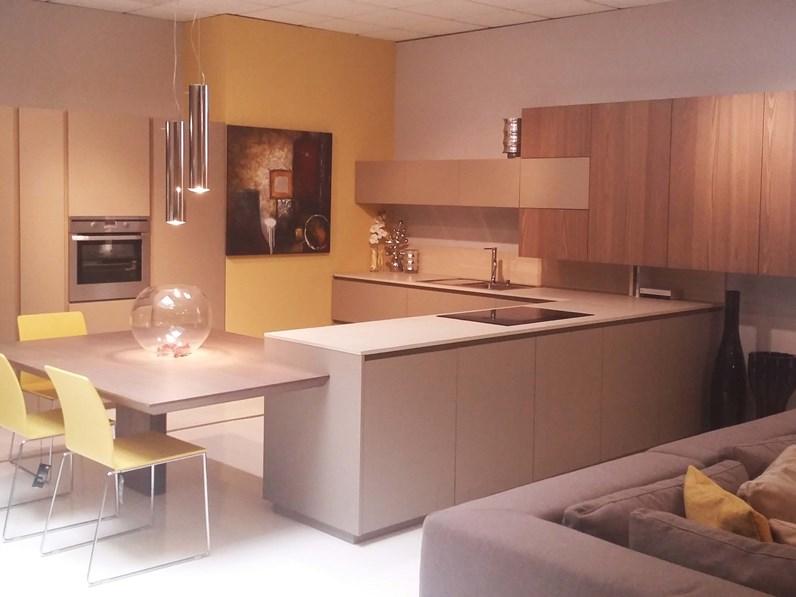 Ti aspettiamo in fiera padova 13 21 05 per design outlet casa for Casa design outlet
