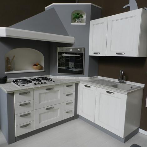 Cucina tre o isabel classica legno bianca cucine a for Cucina classica bianca