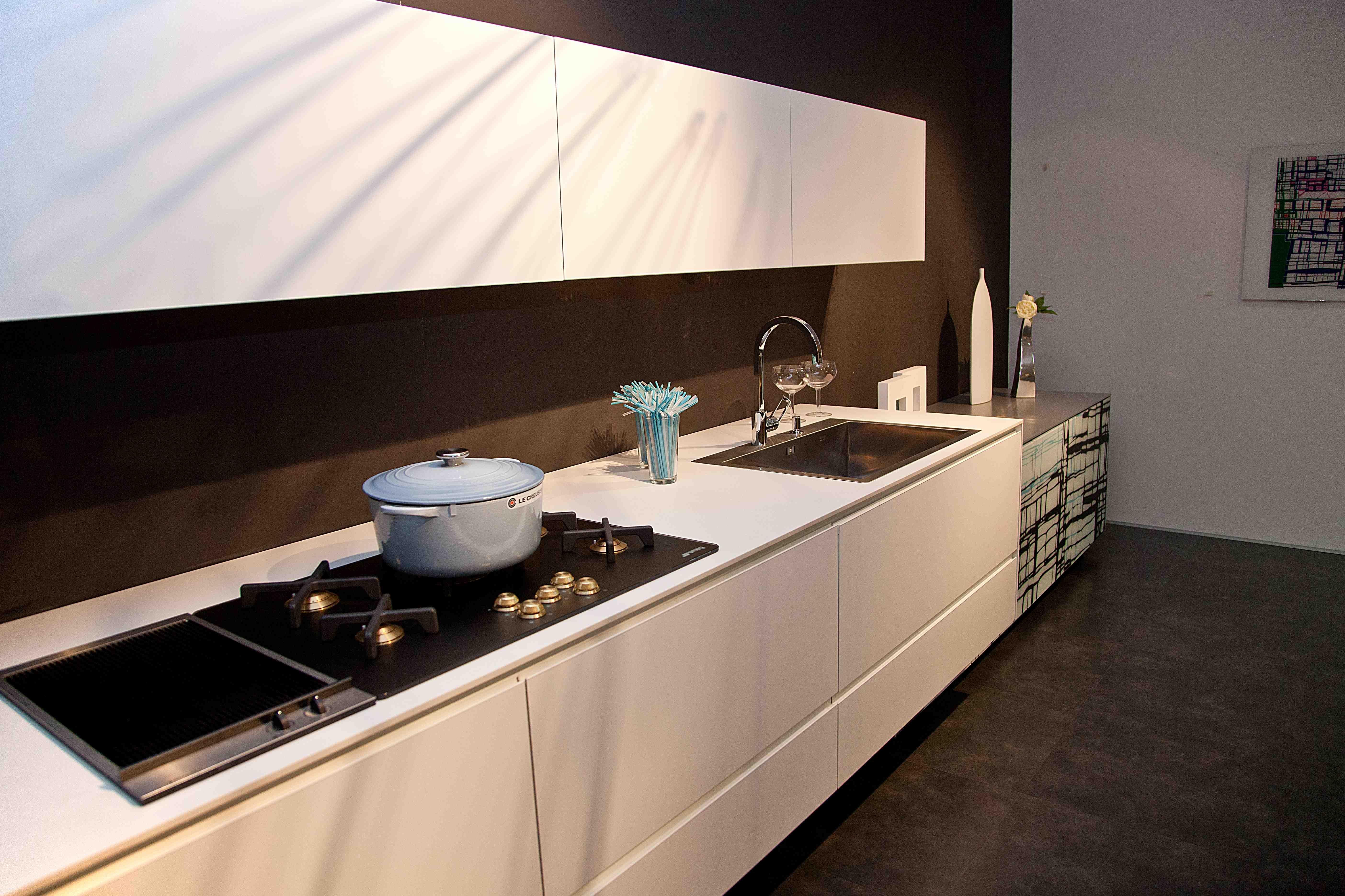 Valcucine Cucina Riciclantica Laminato Full Color Grigio E Bianco  #8E623D 5616 3744 Top Cucina In Laminato Opinioni