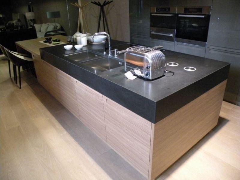 Varenna cucina minimal cucine a prezzi scontati - Prese a scomparsa cucina ...