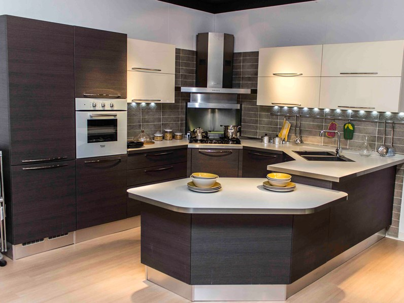 Veneta Cucine Moderne.Veneta Cucine Cucina Carrera Esasystem Scontato Del 50