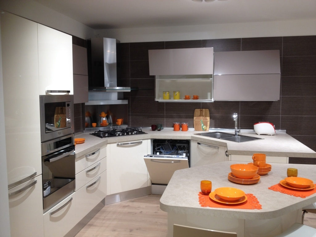 Veneta Cucine Cucina Esasystem Carrera lucido scontato del ...