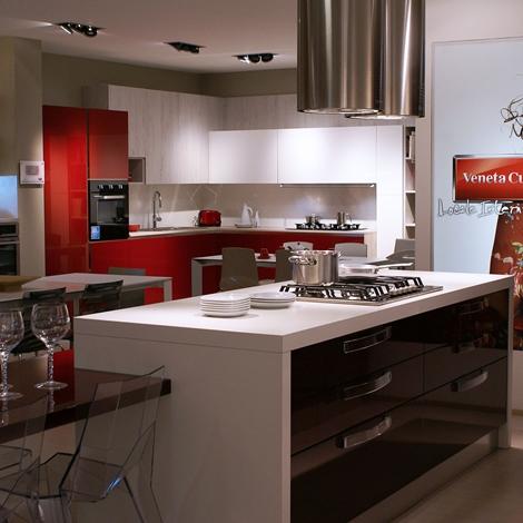 Veneta Cucine Cucina Extra avant Moderno Legno Rossa - Cucine a ...