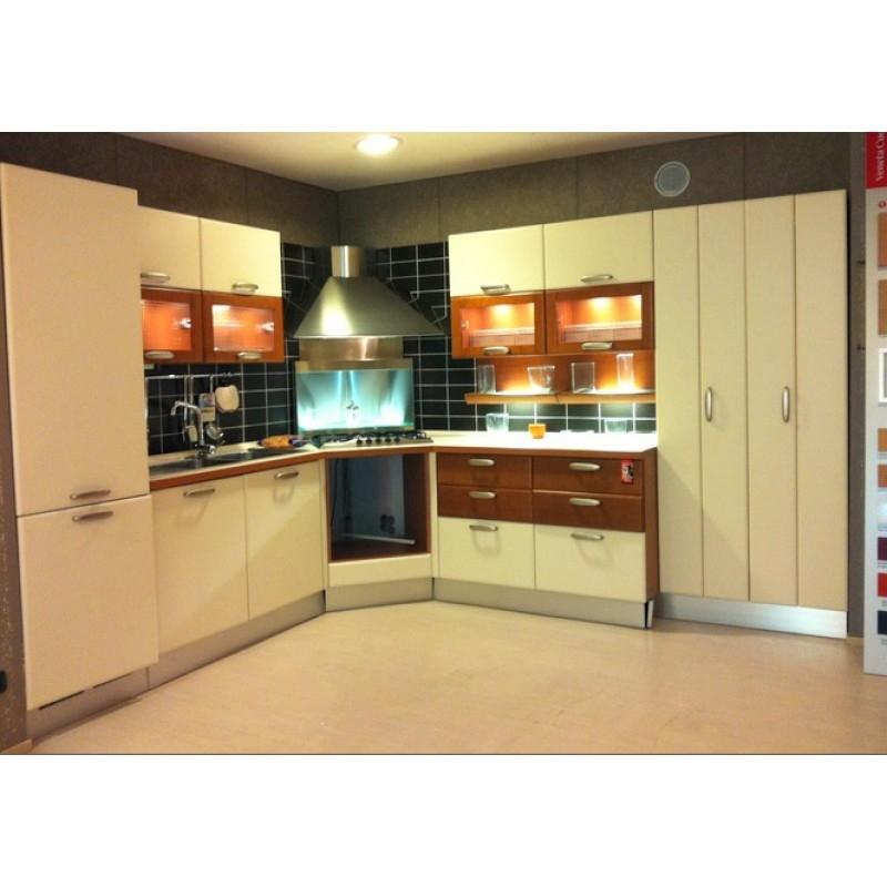 Veneta cucine cucina meridiana scontato del 70 cucine - Cucine color panna ...
