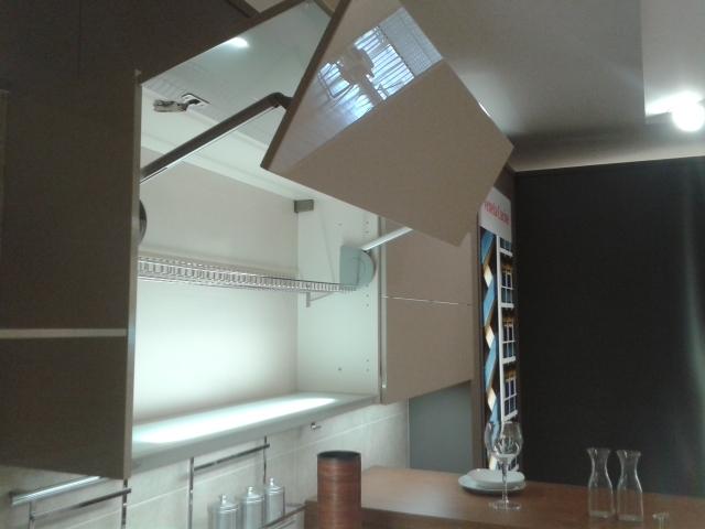 Veneta Cucine Cucina Oyster laccata lucido scontato del -57 % - Cucine ...