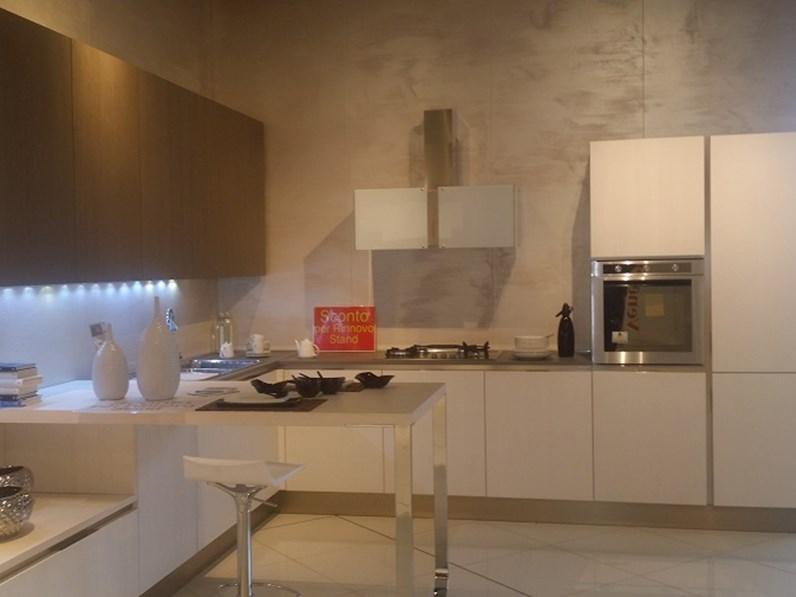 Cucina Tulipano Veneta Cucine Prezzo.Veneta Cucine Cucina Tulipano Scontato Del 64