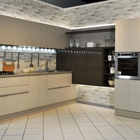 Veneta cucine extra go legno e laccato ad angolo scontata - Cucine moderne legno e laccato ...
