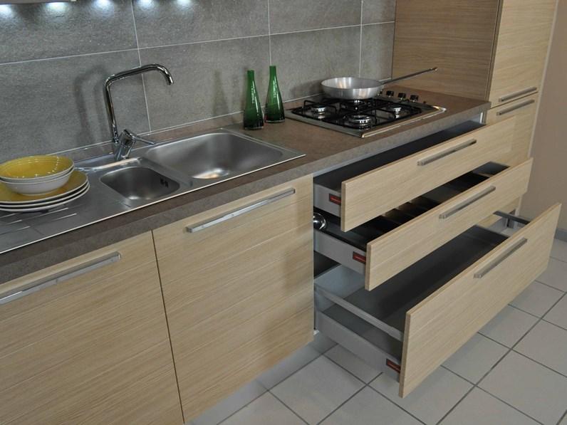 Veneta Cucine modello Carrera Doghe completa di elettrodomestici e ...