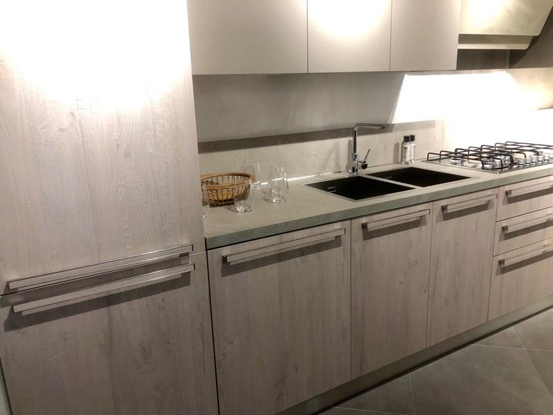 Veneta cucine modello cucina ehtica lineare for Arredamenti serafino