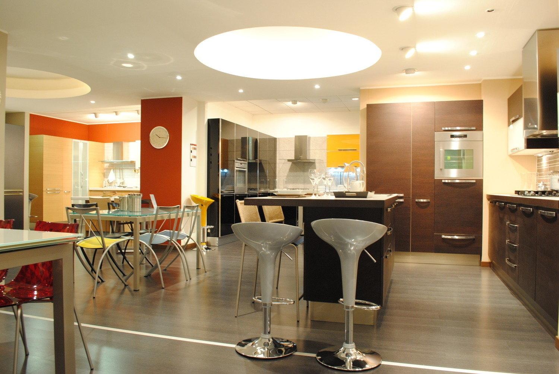 Chambre A Coucher La Roche Bobois : Veneta cucine modello extra  Cucine a prezzi scontati